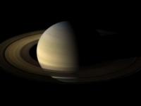 Sonda Cassini poslala snímky Saturnu z novej obežnej dráhy