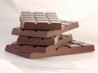 Tmavá čokoláda priaznivo vplýva na vysoký krvný tlak