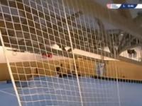 Video: V Čechách sa počas zápasu zrútila strecha novej haly