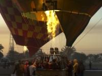 Turisti mali šťastie v nešťastí, prežili pád balóna