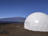 Začal sa osemmesačný simulovaný pobyt na Marse