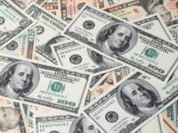 Doláru sa v stredu darilo, stúpol voči jenu, euru aj libre