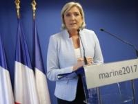 Le Penová vo Francúzsku zmenšuje náskok svojich súperov