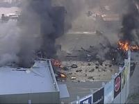 Na nákupné centrum v Melbourne sa zrútilo malé lietadlo