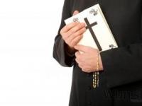 Austrálsky biskup priznal, že bol zneužitý iným duchovným