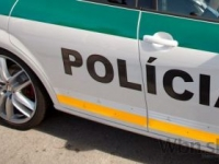 Policajti v Bratislave zachraňovali život mladému vodičovi