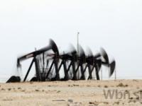 Ropa zlacnela, nedarilo sa ani drahým kovom