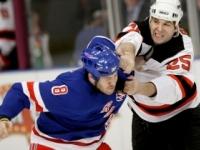 Bývalý zlý muž NHL poslal k ľadu 15-ročného chlapca