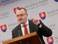 Krajniak chce zakázať stavbu mešít, sú rizikom pre Slovensko